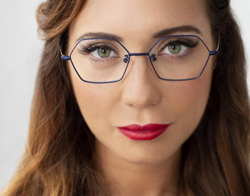 stylish women's frames